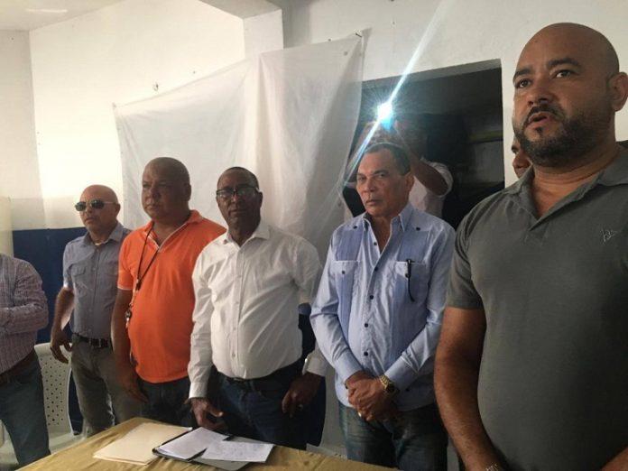 PRM inaugura local en Peralta de Azua.