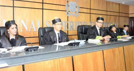TSE se declara incompetente para conocer recurso contra resolución JCE sobre el voto de arrastre