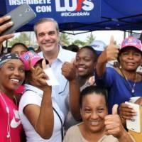 @luisabinader en el #DíaInternacionalDeLaMujer reconoce labor, esfuerzo y  gran aporte de cada mujer dominicana