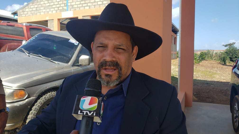 Dajabón.-Santiago Riverón @PRM_Oficial entrega bebedero en Clavellina.  Asegura continuaría habilitación nuevo vertedero | Periodico Oficial del PRM