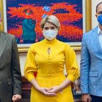 Ministros @FGarciaFermin y  @ktaverasd acuerdan consolidar programas de becas del Estado