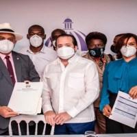 Gobierno @LuisAbinader entrega RD$128 millones para obras en Monte Plata, Hato Mayor y Azua