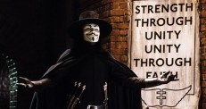 43.- V DE VENDETTA (James McTeigue, 2006) EE.UU.