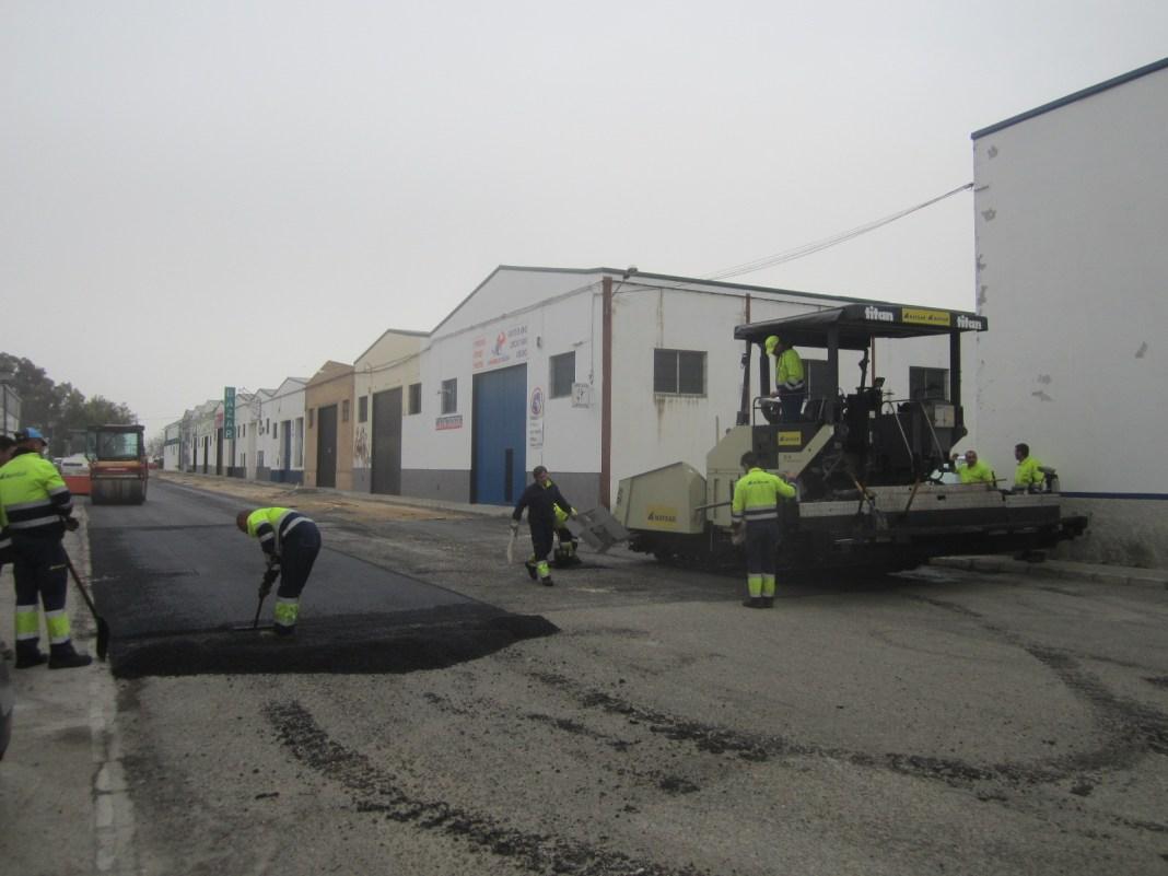 El Ayuntamiento de Carmona invertirá 1,2 millones de euros para el arreglo de calles 1