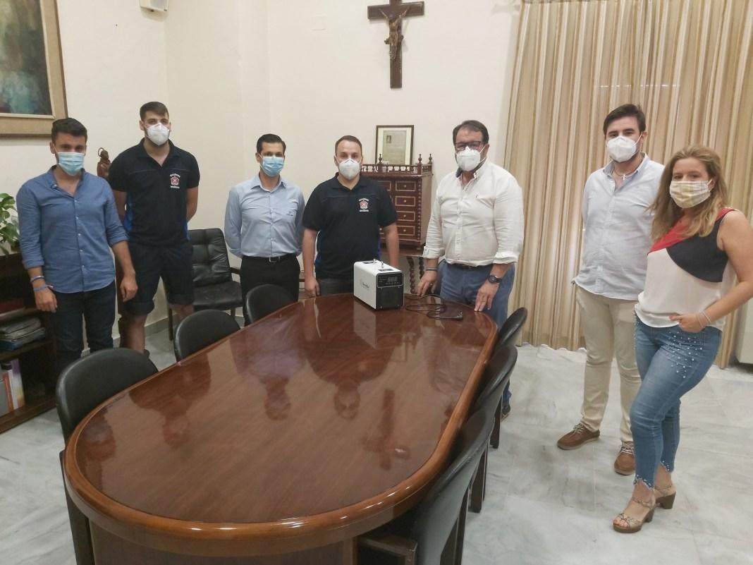 Empresas de Carmona donan máquina desinfectar