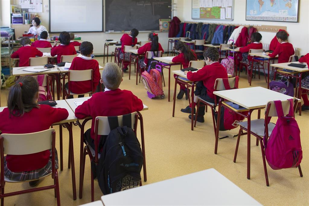 sindicatos reunion junta andalucia colegios