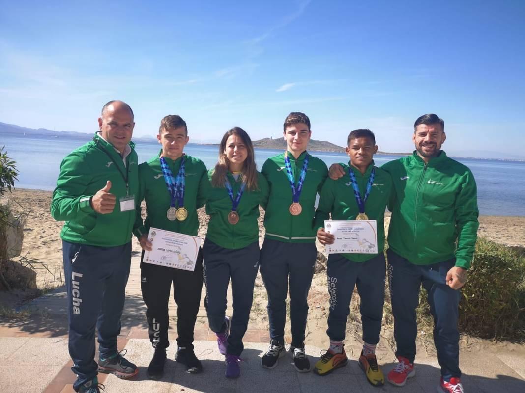 El Club de Lucha Guadajoz suma cinco medallas en el Campeonato de España 1
