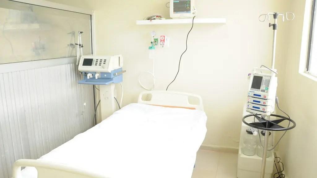 la voz información - número de pacientes andaluces en UCI