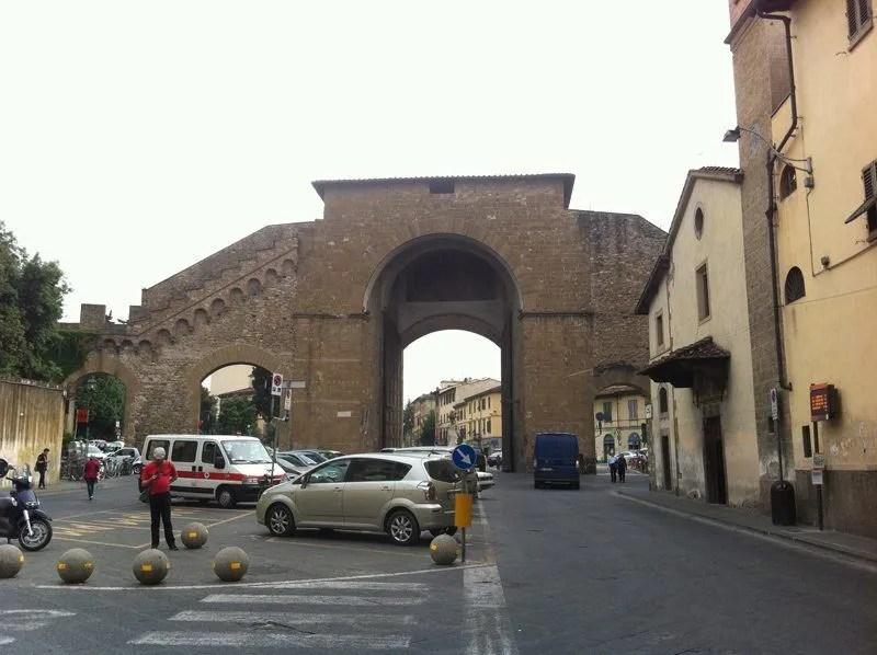 Puerta Romana de Florencia, donde esperé a Gabriele para ir a su casa