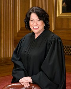 Sonia_Sotomayor_in_SCOTUS_robe