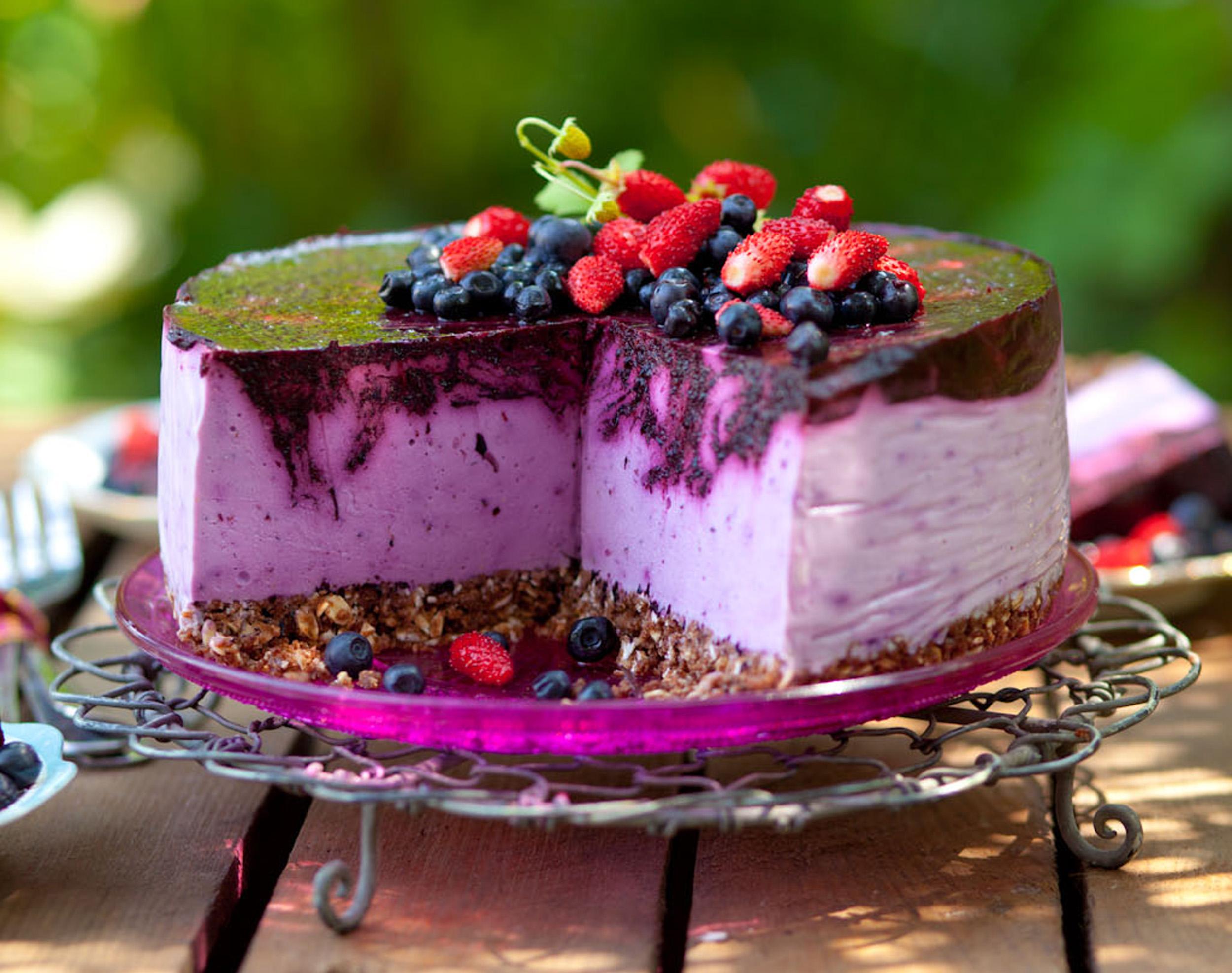 Sernik jagodowo-jogurtowy na zimno