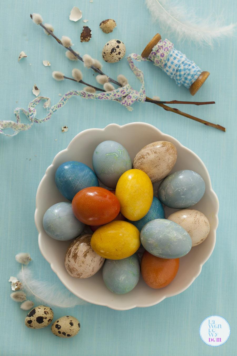 naturalne-sposoby-barwienia-jajek-wielkanocnych34