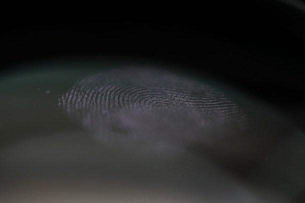 https://s3-us-west-2.amazonaws.com/secure.notion-static.com/95c345b8-0f83-45c7-9769-808db7d37648/fingerprint-mark-clear-glass-as-crime-evidence_151013-9353.jpg