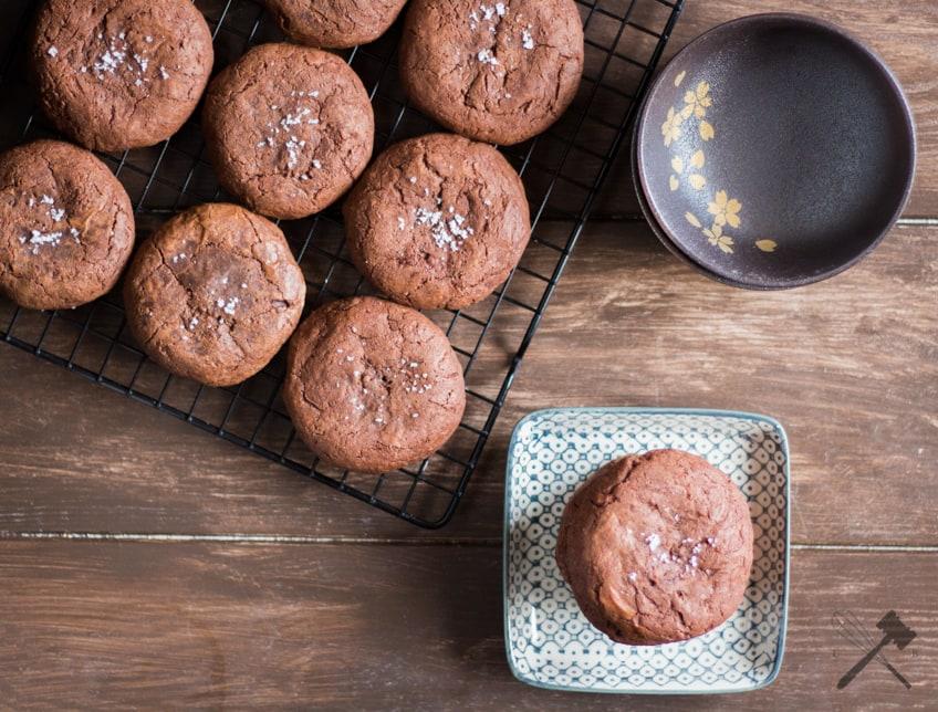 Schokoladen Cookies Mit Nutellafullung Und Meersalz Law Of Baking