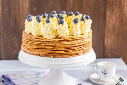 Palatschinken-Torte mit Schokofüllung