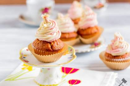 Mandel Erdbeer Cupcakes
