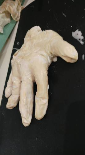 latex-hand-10