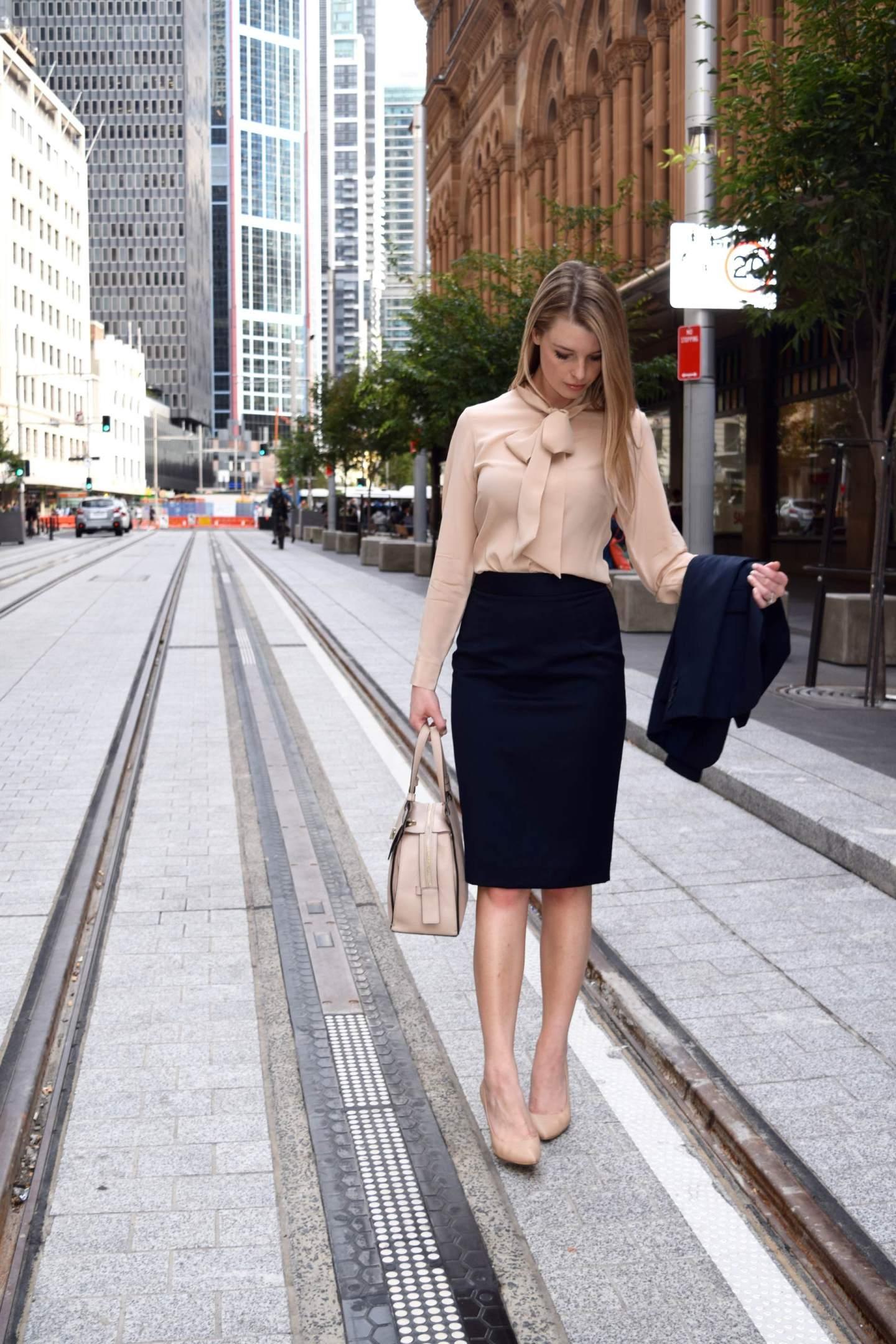 COURT DRESS CODE – LAWYERS' FASHION
