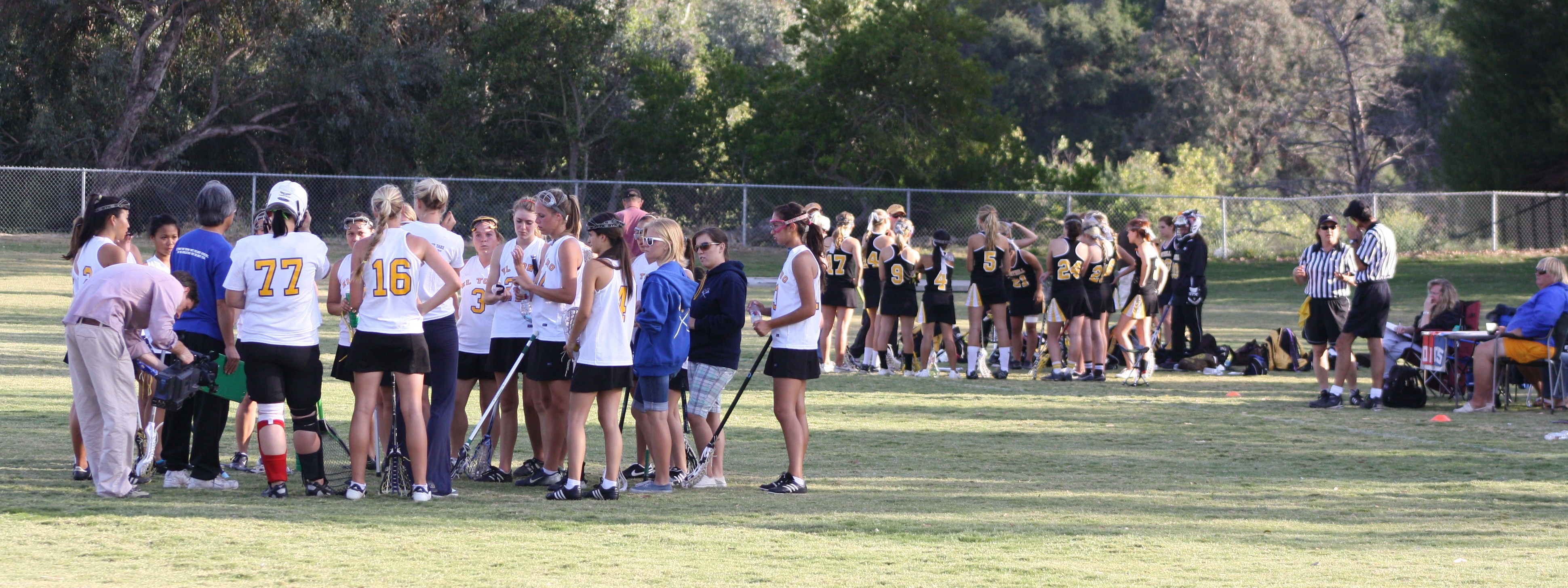 El Toro Girls Lacrosse opened up an 8-3 lead at halftime. Photo by LaxBuzz