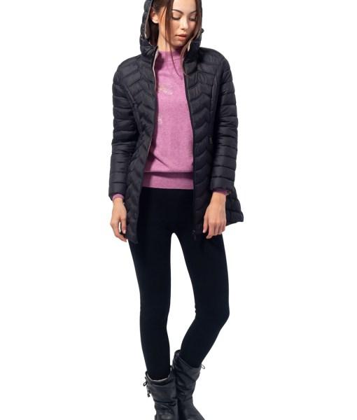 Women Jacket With Hood Black-147A adalah Jacket Wanita Terbuat dari Bahan Parasut yang Berkwalitas dan mempunyai Kerah berbulu yang tebal ...................