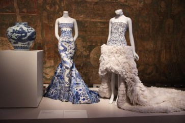 The-Met-'China-Through-the-Looking-Glass'-exhibition