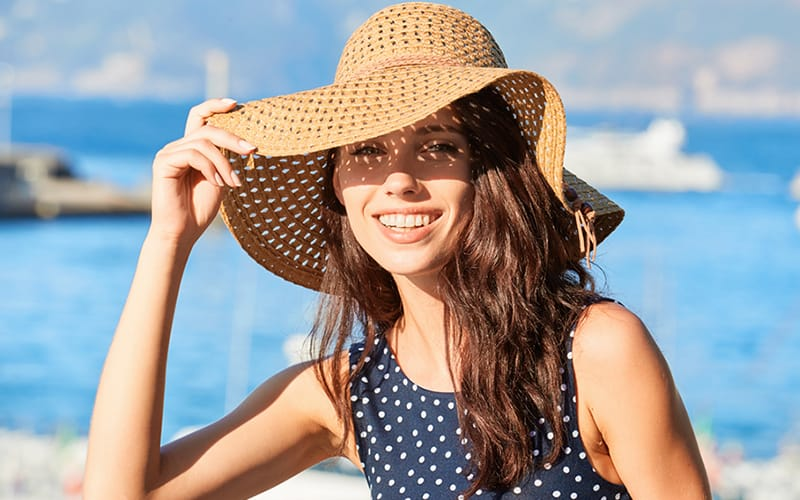 8 Little Tricks To Protect Your Hair From The Sun