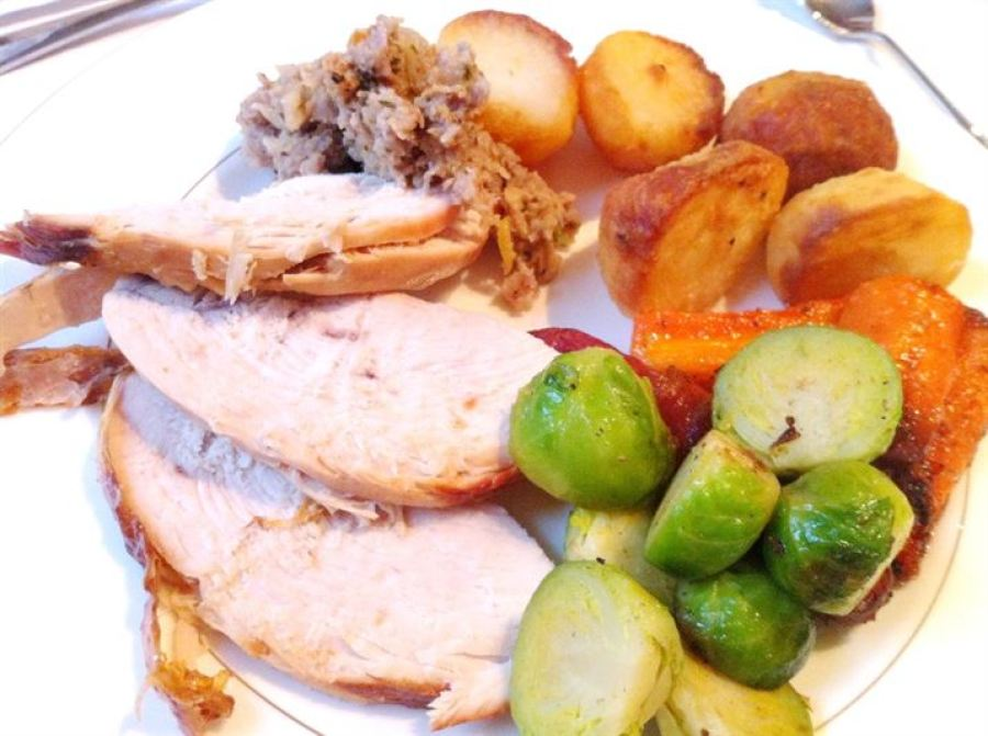 Roast Copas Turkey with Mary Berrys Lemon & Thyme Pork Stuffing, Lay The Table