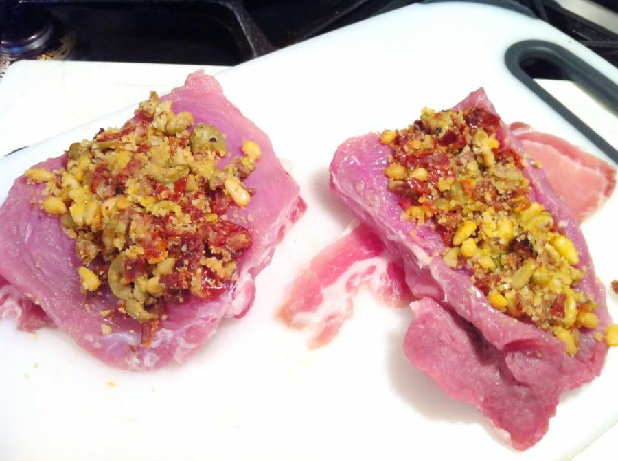 Pork Fillet Stuffed with Olives and Sun-dried Tomatoes, Lay The Table