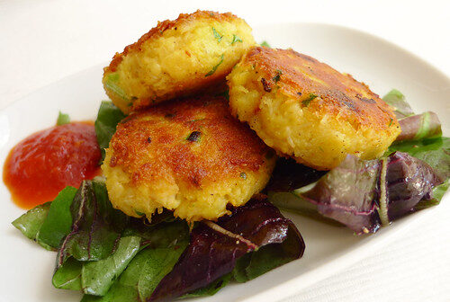 How To Make Indonesian Crabcakes, Lay The Table