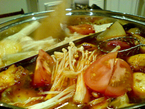 What is Sichuan Hot Pot?, Lay The Table