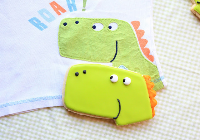 Dinosaur Cookies – Make your own dinosaurs, Lay The Table