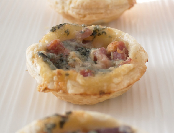 Stilton, Bacon And Red Onion Tartlets, Lay The Table