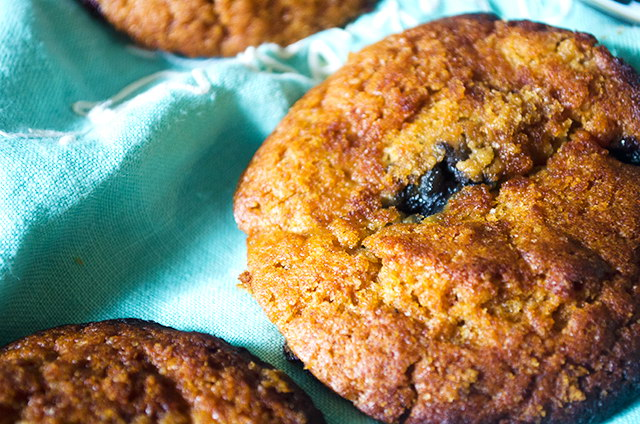 Vegan Blueberry Peach Muffin Tops | Seinfeld Inspired Recipe!, Lay The Table
