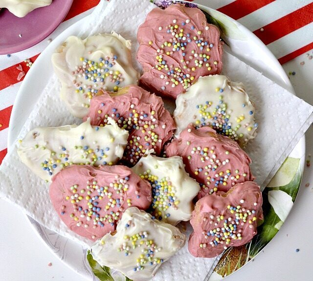 Vegan Circus Snack Cookies, Lay The Table