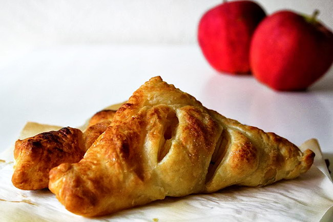 Vegan Apple Turnovers (Inspired by Once Upon a Time!), Lay The Table