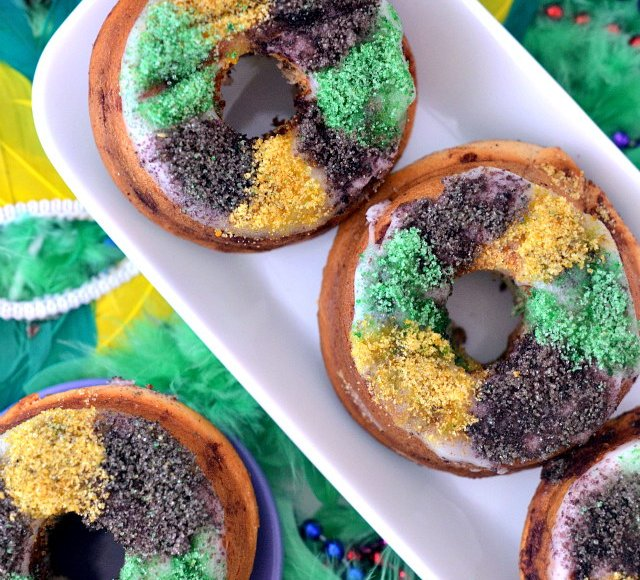 Mini Vegan King Cakes, Lay The Table