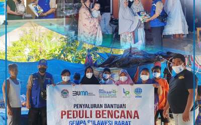 Relawan Tanggap Bencana LAZDAI Bagikan Sembako Untuk Warga Mamuju