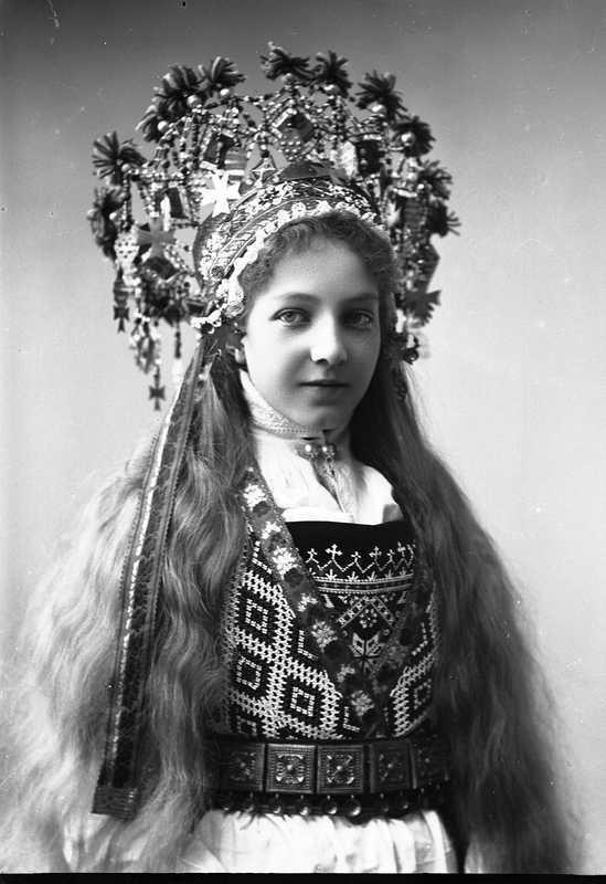 Fabulous Norwegian Brides 1870 1920 Lazer Horse