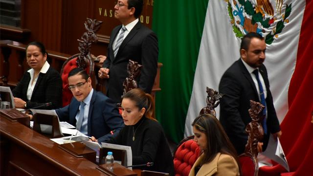 Transportistas de Michoacán pagarán más en el 2018