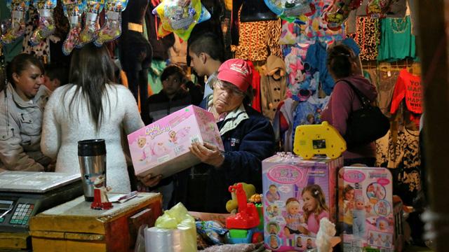 Hasta 6 mil 800 pesos gastan los Reyes Magos por niño