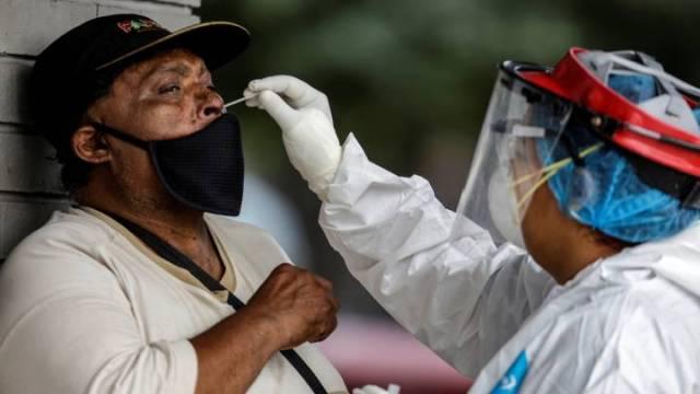 Llegan a 208 mil los contagios por Covid en México; 18 estados, en naranja