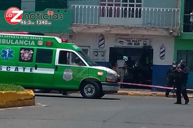 Pistolero ataca a dos primos en una barbería; hay un muerto