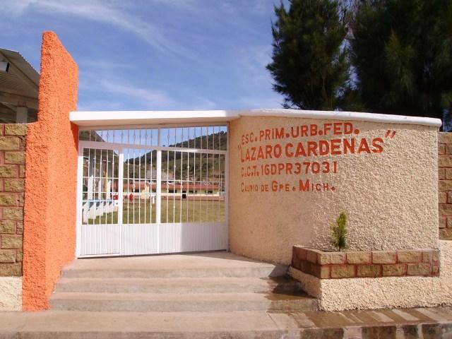 Maestros ganan más que AMLO en Michoacán; cobran hasta 91 mil la quincena