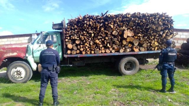 Asegura SSP camión cargado con madera ilegal