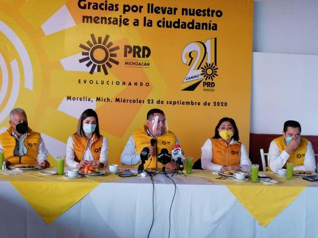 PRD enfrenta renovación unido: Víctor Manuel Manríquez
