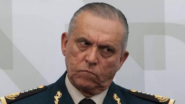 Detiene EU al secretario de la Defensa de Peña Nieto