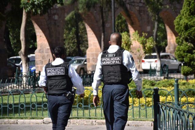 Colocan vallas en la Plaza Morelos para impedir que se instalen vendedores en la Calzada de «San Diego»