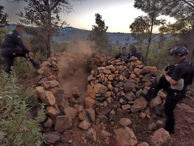 Policías de la SSP echan abajo un narcocampamento en Santa Juana