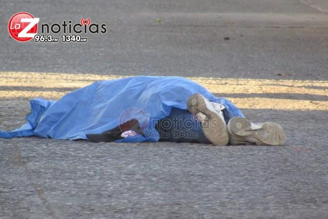Hombre de la tercera edad muere al ser arrollado por camión de pasajeros en Zamora