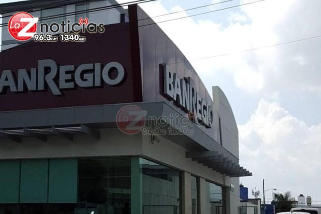 Delincuentes armados asaltan banco en Morelia